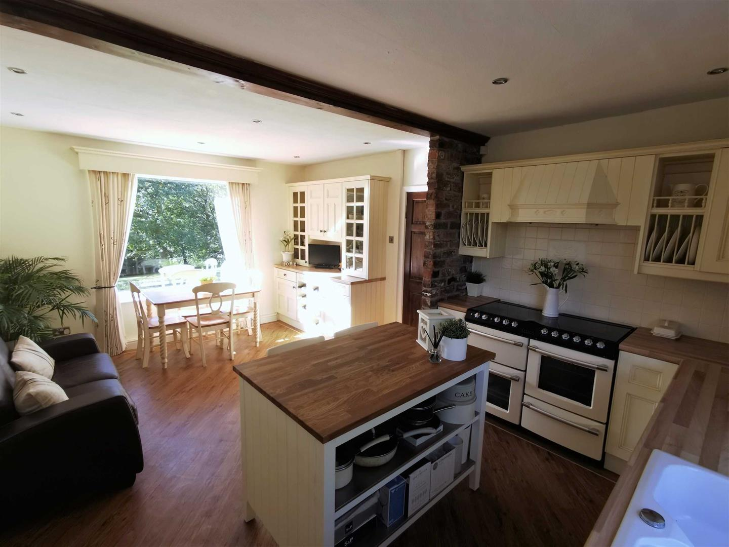 4 Bedroom Semi Detached Cottage For Sale - Image 25